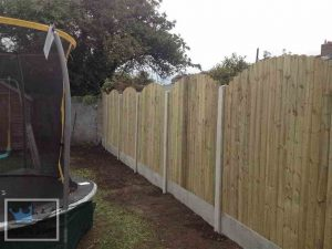 Curved Fencing With Concrete Boards